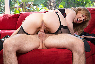 Cougar Nina Hartley fucking in the living room with her tits - Sex Position 3