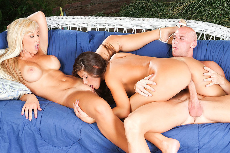 Jessica Lynn and Madelyn Marie get catty, have a threesome