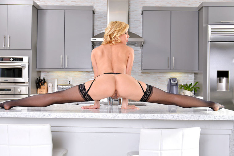 Cougar Alexis Fawx fucking in the kitchen with her lingerie