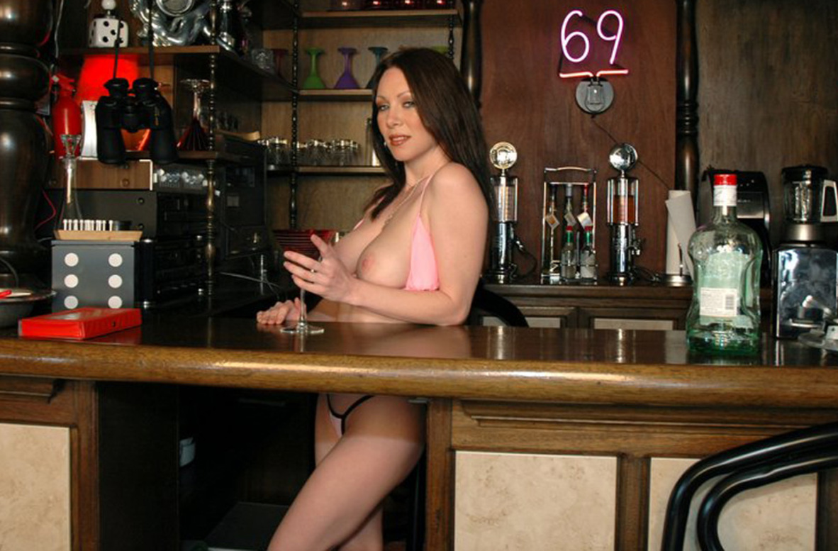 Watch Rayveness video in Housewife 1 on 1