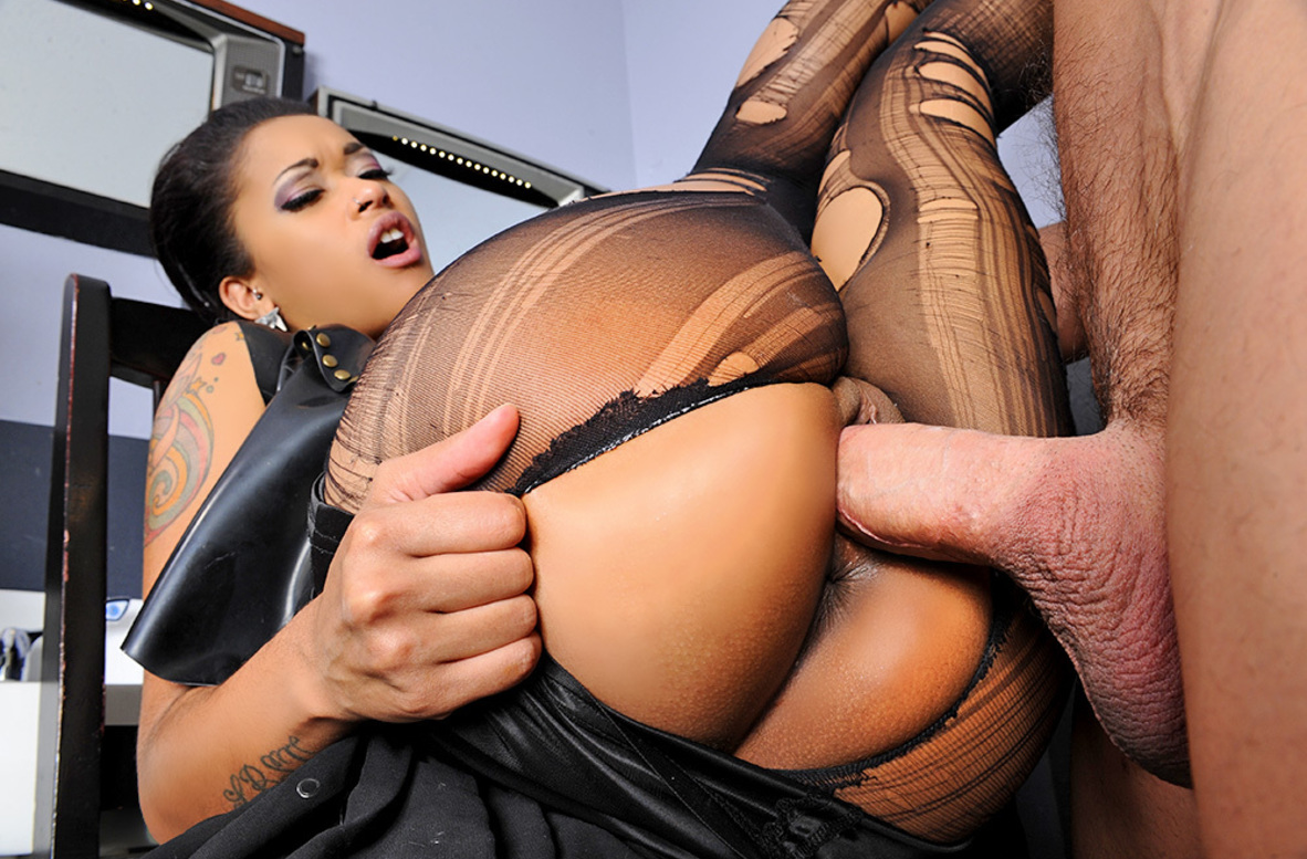 Watch Skin Diamond and Johnny Castle 4K video in I Have a Wife