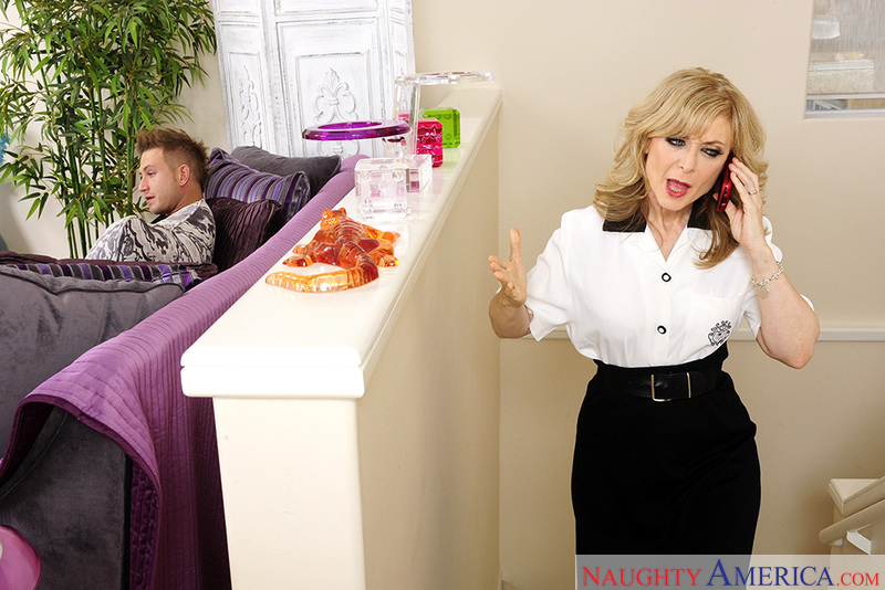 Nina Hartley fucking in the living room with her blue eyes - Sex Position 2