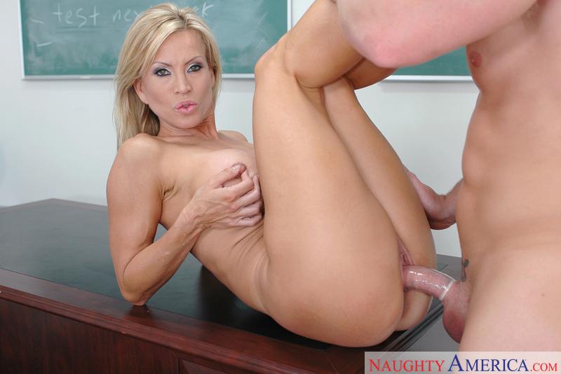 Mrs lynn milf