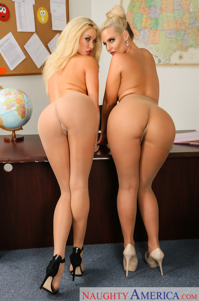 Phoenix marie and summer brielle