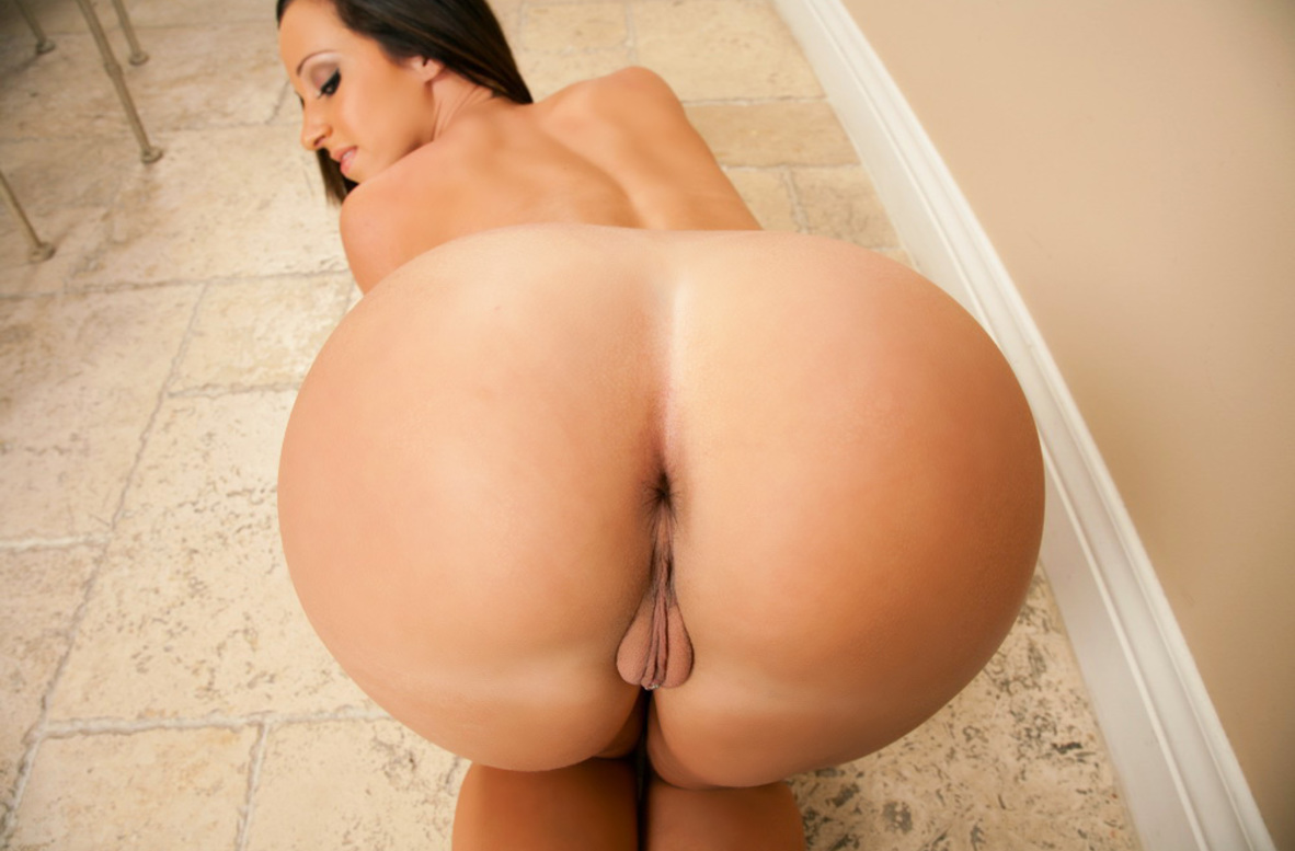 Watch Jada Stevens and Johnny Castle video in My Sister's Hot Friend