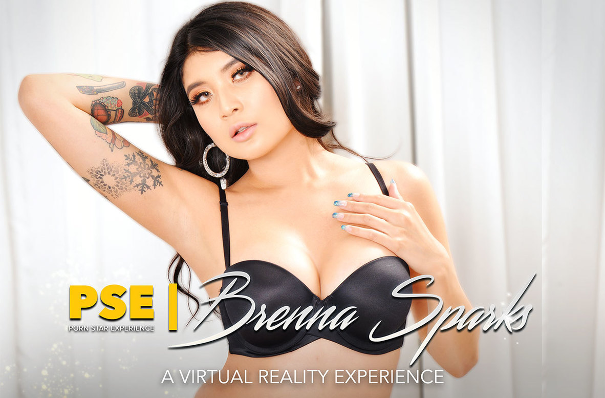 Watch Brenna Sparks and Justin Hunt VR video in Naughty America