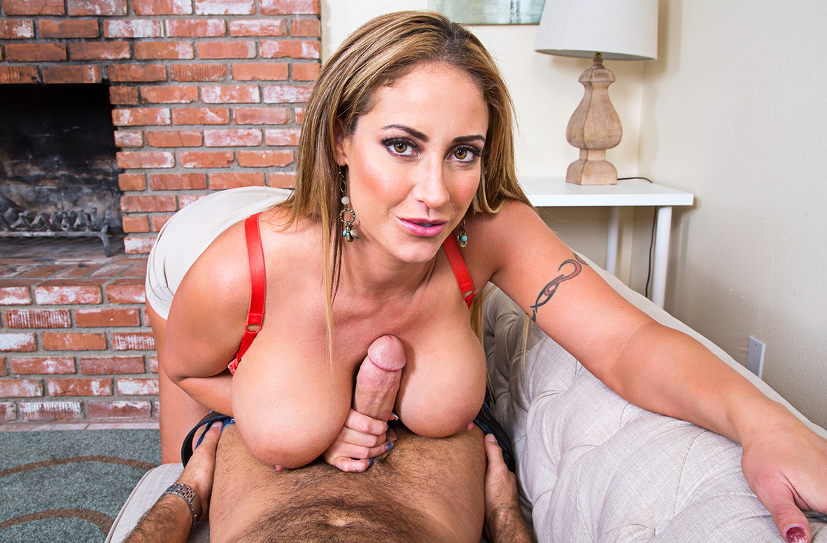 Watch Eva Notty and Chad White VR video in Naughty America