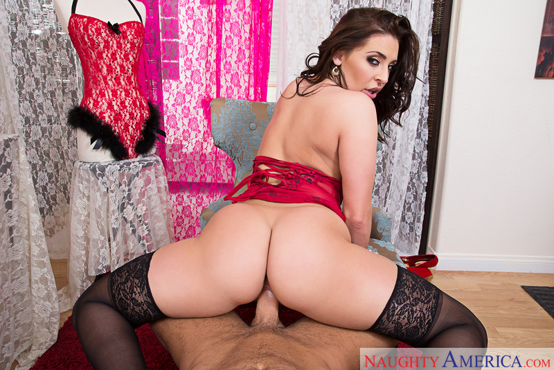 Gracie Glam fucking in the chair with her lingerie vr porn - Blowjob