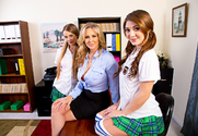 Julia Ann & JoJo Kiss & Samantha Hayes & Chad White in Naughty America