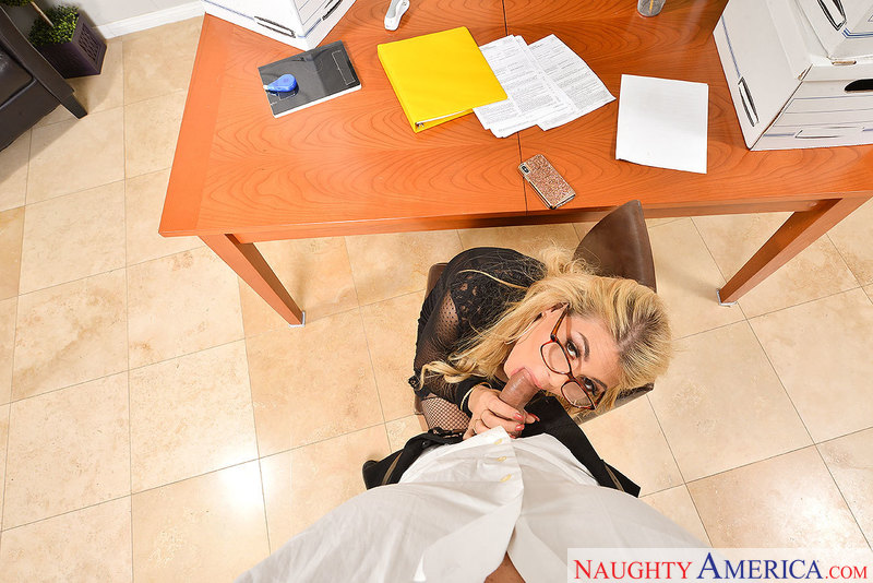 Kayla Kayden fucking in the office with her big tits vr porn - Sex Position 2