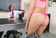 Brooke Haze & Tony De Sergio in Naughty Bookworms