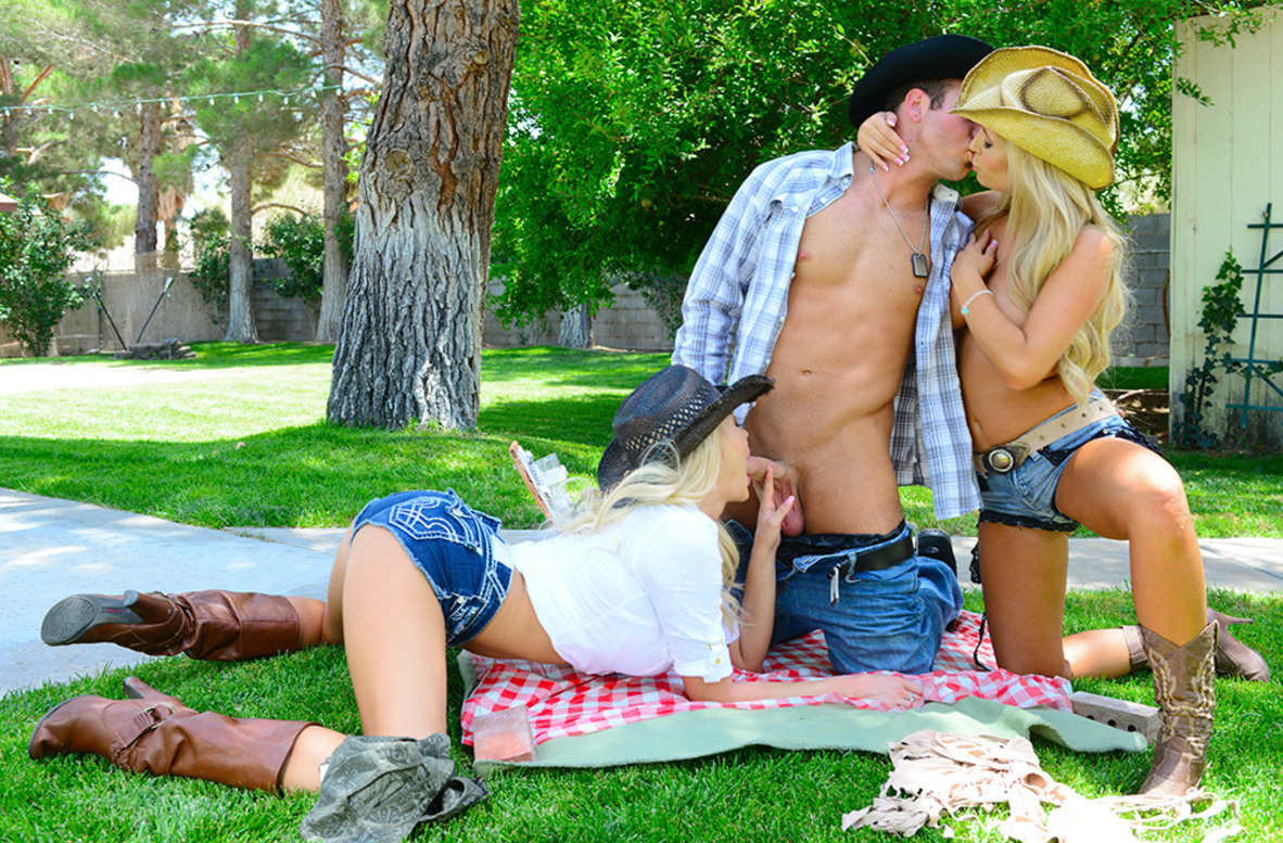 Watch Summer Brielle, Tasha Reign and Chad White 4K video in Naughty Country Girls