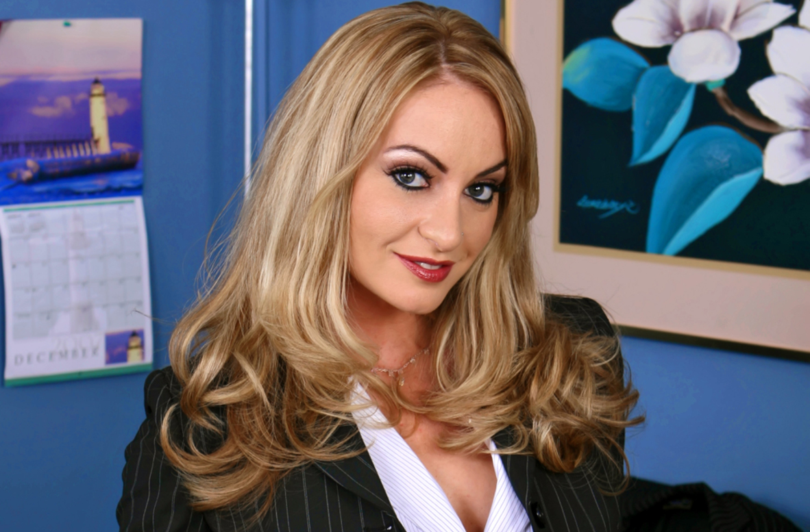 Watch Aline and Sean Michaels video in Naughty Office