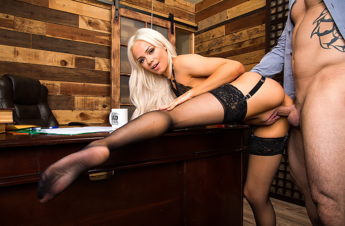 Watch Elsa Jean and Derrick Pierce video in Naughty Office