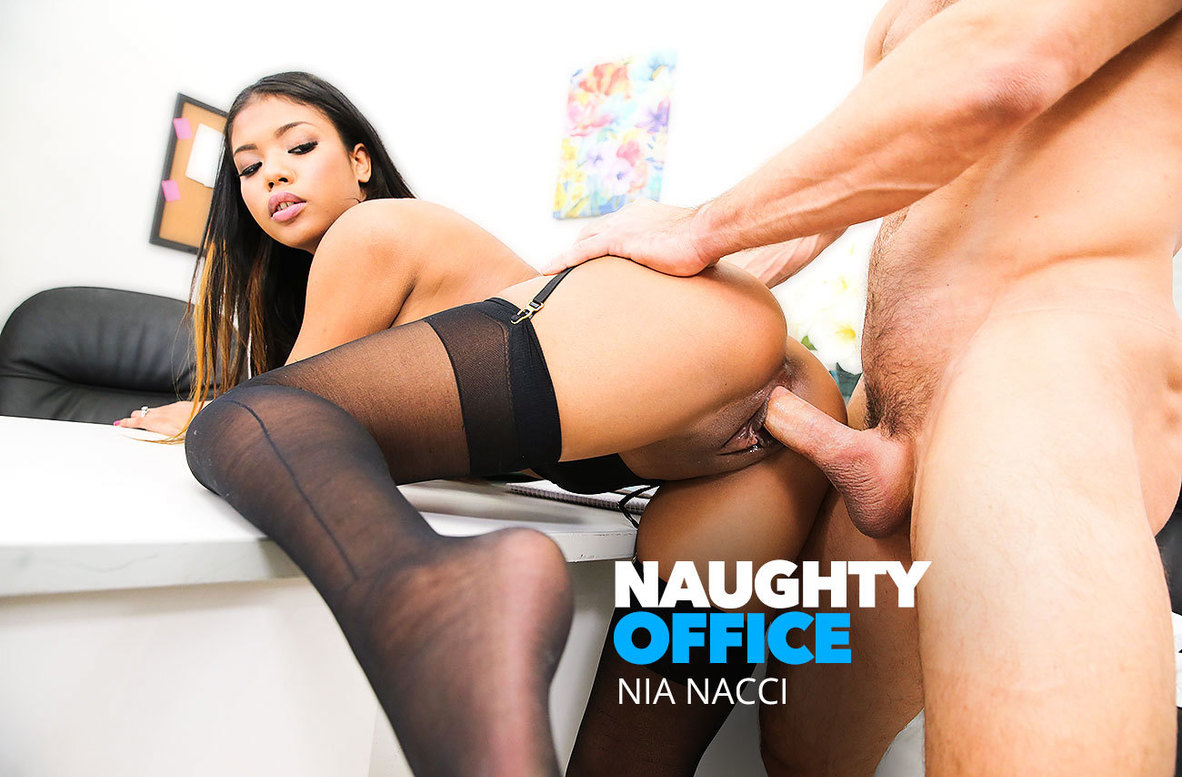 Watch Nia Nacci and Johnny Castle 4K video in Naughty Office
