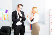 Nikki Benz & Justin Hunt in Naughty Office