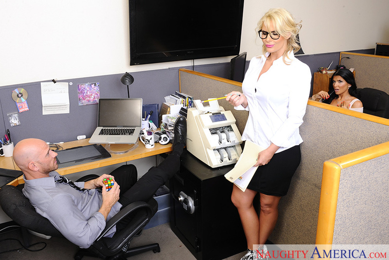 Shaved Phoenix Marie fucking in the office with her glasses - Sex Position 2