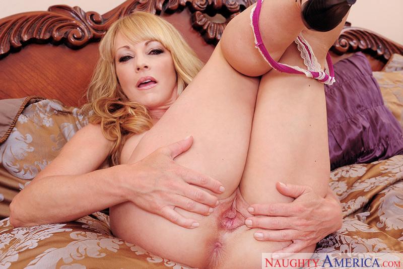 Shayla Laveaux Cougar